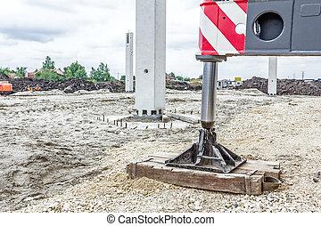 hydrauliske, kran, fod, er, understøttet, af, træ, by, sikkerhed, laterale, stabilisator