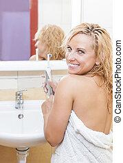hygiënisch, procedure., badkamer, vrouw, elektrisch, dentaal, moderne, tandenborstel, kaukasisch
