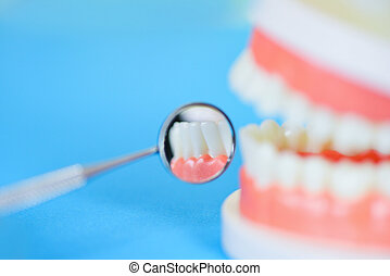 hygieniker, spegel, hälsa, tänder, modell, tand- instrument, checkup, tandproteser, mun, muntlig, tandläkare, redskapen, tandläkekonst