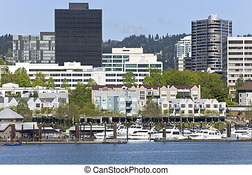 i centrum, marina, portland, oregon.
