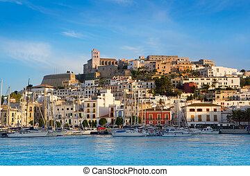 ibiza, eivissa, stad, met, blauwe , middellandse zee