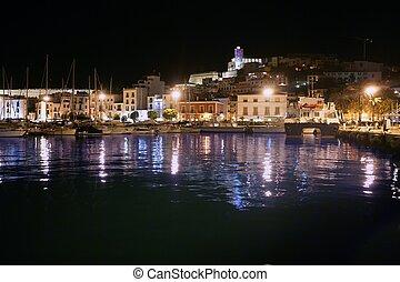 ibiza sziget, kikötő, és, város, alatt, éjszaka csillogó