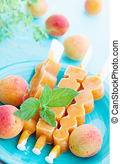 ice cream with apricot and mint
