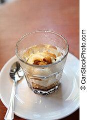 ice cream with coffee