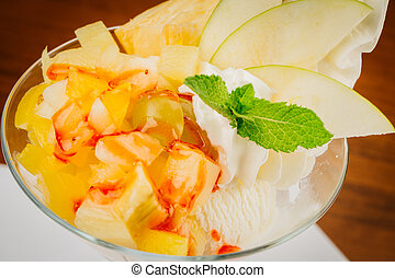 ice cream with fresh fruits