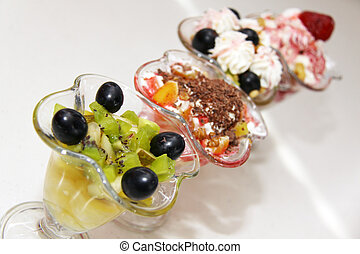 ice cream with fruits