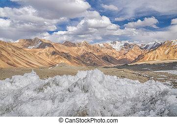 Ice crystals in Tajikistan