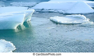 Ice floe breaks down at the glacier - Ice floes break down...