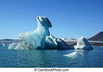 ice sculpture at Jokulsarlon in Iceland
