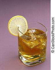 Ice-tea - Glas of ice-tea with lemon slice