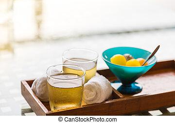 Ice tea with fruit