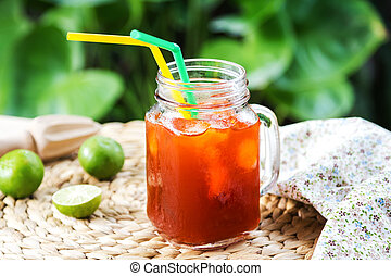 Ice tea with lime