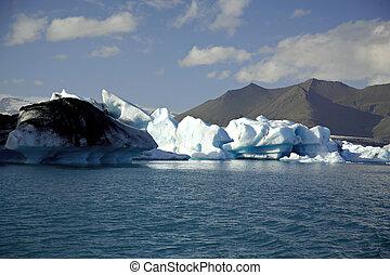 Icebergs lit by the sun