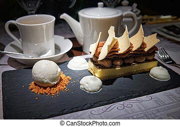 Icecream Dessert with cake