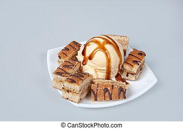 Icecream With Cakes