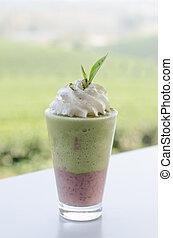 iced Milk Green tea - Red bean Milk Green tea smoothie with ...
