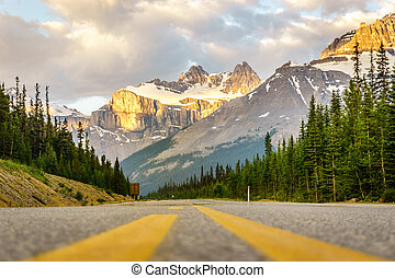 Icefield Parkway in Banff National Park, Canada