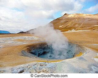 Iceland geothermal fumarole - Active geothermal fumarole in...