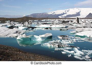 Iceland glaciers - Icebergs on Jokulsarlon lagoon in...