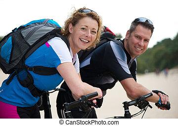 ich, para, rowery, uśmiechnięty szczęśliwy