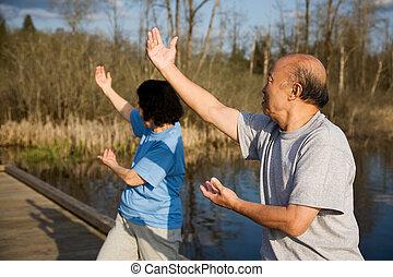 idősebb ember, ázsiai, gyakorlás