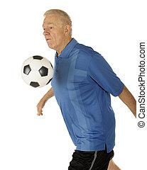 idősebb ember, chesting, a, labda