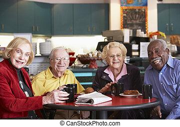 idősebb ember, felnőttek, birtoklás, reggel, tea, együtt