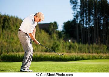 idősebb ember, golf játékos, alatt, nyár