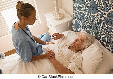 idősebb ember, hálószoba, doktornő, egymásra hatók, nő