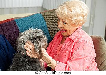 idősebb ember, hölgy, szeret, neki, kutya
