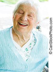 idősebb ember, hölgy, tolószék, boldog