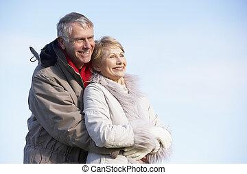 idősebb ember, liget, összekapcsol átölel