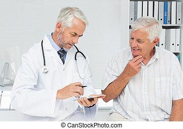 idősebb ember, orvos, hím, látogató, türelmes