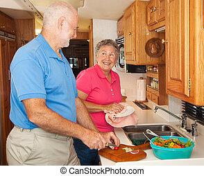 idősebb ember, rv, -, ételadag, konyhában
