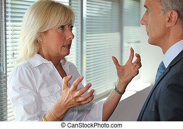 idősebb ember, társul, vita, birtoklás