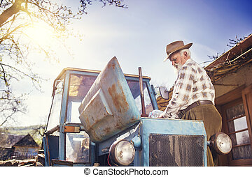idősebb ember, traktor, farmer