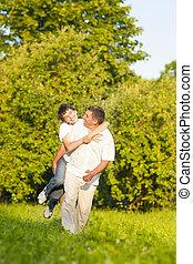 ideas., 家族, 自然, 父, に対して, 息子, forest., 便乗商法, 価値, 概念, 緑, outdoors., コーカサス人, 幸せ