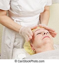idoso, desfrutando, massagem