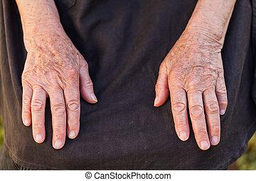 idoso, mulher, mãos