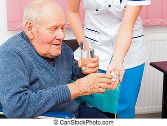 idoso, saúde emite