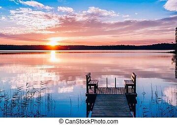 idyllique, bois, sur, long, banc, lake., coucher soleil, water., jetée, ou, levers de soleil, vue