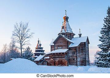 iglesia de madera, en, nevoso, invierno, bosque, en, ocaso