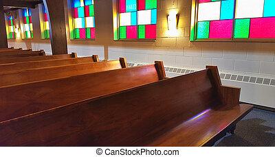 iglesia, pews, con, cristal manchado