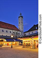 iglesia, viktualienmarkt, munich, heiliggeist, germany.