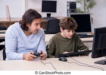 igrzyska, komputer, ojciec, interpretacja, syn