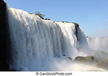 iguassu, cascate, su, uno, giorno pieno sole, presto, in, il, morning., il, più grande, cascate, su, earth.