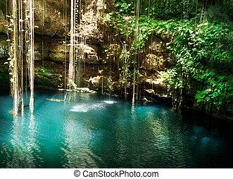 ik-kil, cenote, chichen itza, mexiko