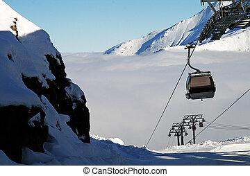 il, funicolare, arriva, cima, il, nevoso, collina