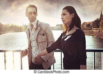 il portare, coppia, occhiali da sole, attraente, giovane