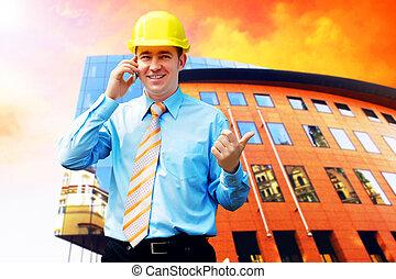 il portare, costruzione, protettivo, casco, giovane, standing, architetto, fondo